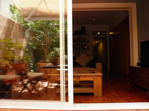 Suitur Courtyard Apartment photo 21