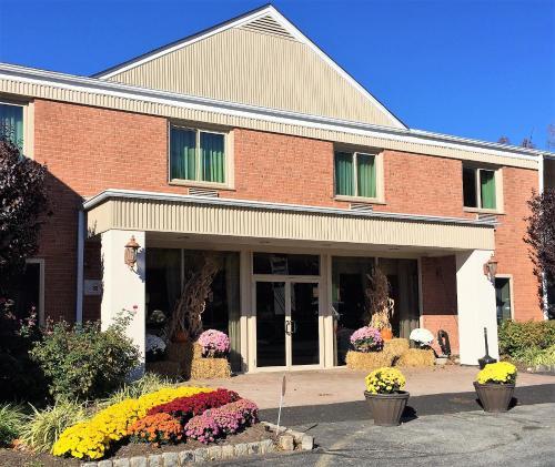 The Avenue Hotel - West Orange, NJ 07052