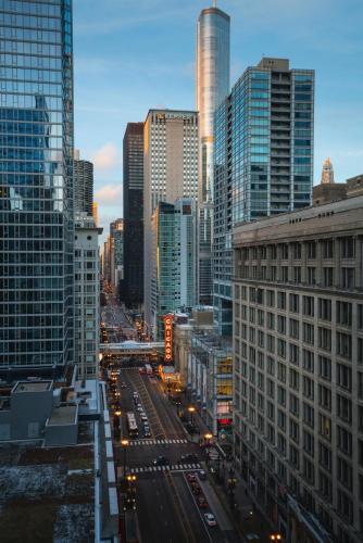 1 West Washington Street, Chicago, Illinois 60602, United States.