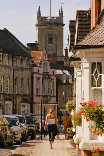 Market Street, Woodstock OX20 1SX, England.
