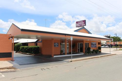 . Parkside Motel & Licensed Restaurant