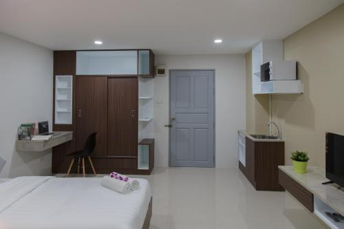 Q Space Residence photo 24