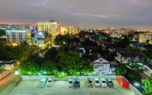 Baron Residence Bangkok photo 82