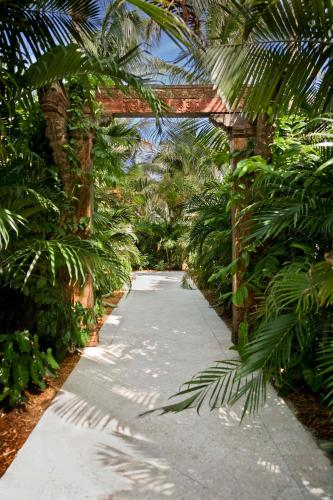 Parrot Key Hotel And Resort - Key West, FL 33040