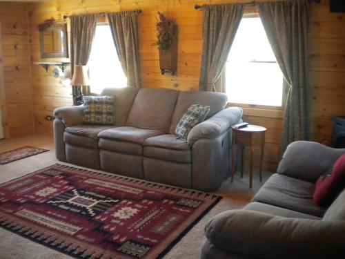 Moose Creek Cabins - West Yellowstone, MT 59758