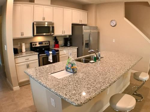 Four Bedrooms Townhome 5126 - Kissimmee, FL 34746