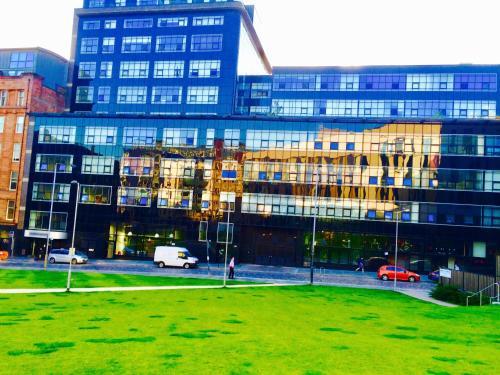 Glasgow City Center Flat with Parking - Apartment - Glasgow