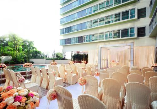 Regal Riverside Hotel photo 48