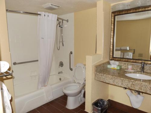 Days Inn by Wyndham Wildwood I-75 - Wildwood, FL 34785