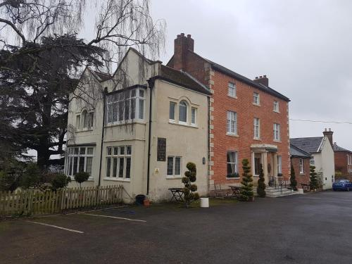 __{offers.Best_flights}__ The Chalford House Hotel