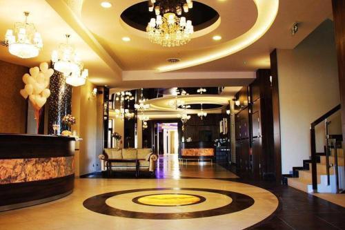 . Hotel Janów