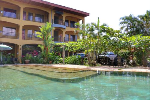 Pacifico Loft Hotel