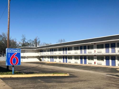 . Motel 6-Lufkin, TX
