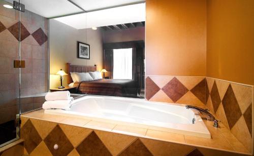 Murray Premises Hotel - Photo 5 of 62