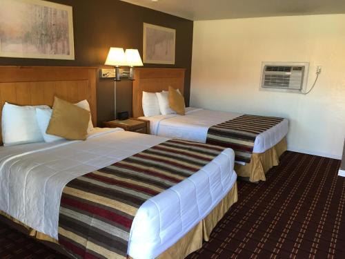 . Sloans Motel