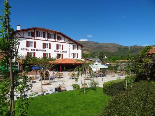 Accommodation in Saint-Martin-d'Arrossa