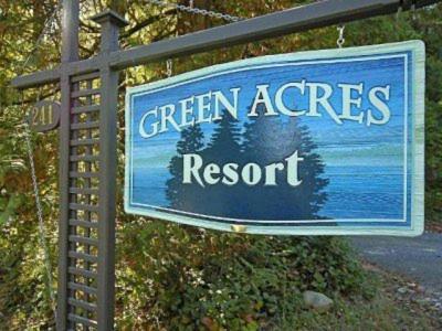 . Green Acres Lakeside Resort Salt Spring Island
