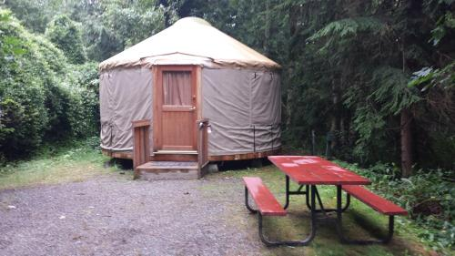 Snowflower Camping Resort 16 Ft. Yurt 10