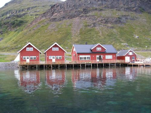 . Sarnes Seaside Cabins