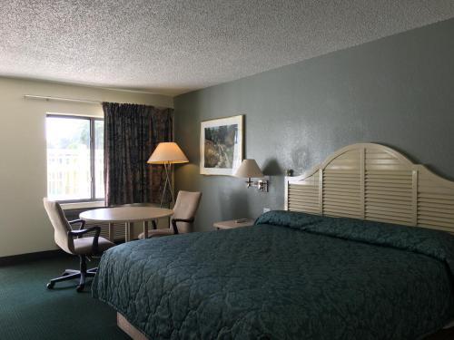 Best Kid-friendly Hotels near Saint Cloud, FL | Trekaroo