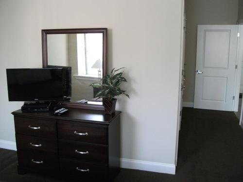 201 Stanwix Apartments - Pittsburgh, PA 15222