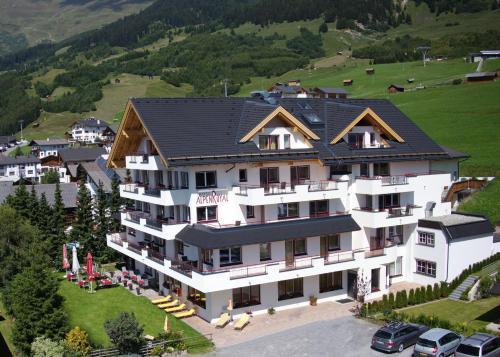 Hotel Alpenroyal Fiss