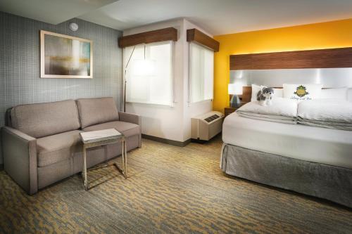Staypineapple At Hotel Z - San Diego, CA 92101