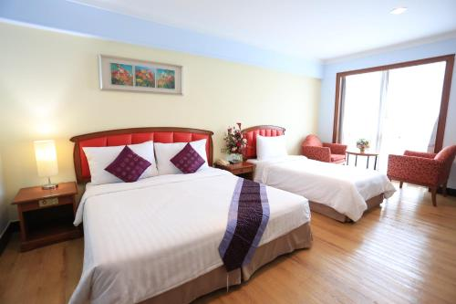 Karnmanee Palace Hotel photo 20