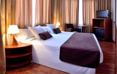 Hotel HLG CityPark Pelayo photo 27