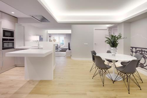 Bella Easo 2 Apartment by FeelFree Rentals