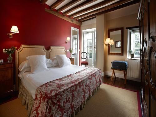 Superior Double or Twin Room Churrut Hotel 5