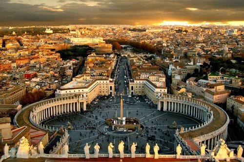 Vatican Rooms Guest House