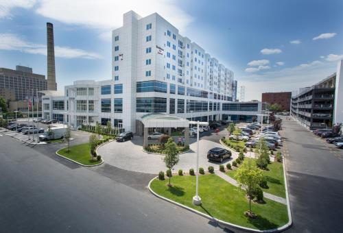 Hotels in Mount Sinai West   Accommodations in Mount Sinai