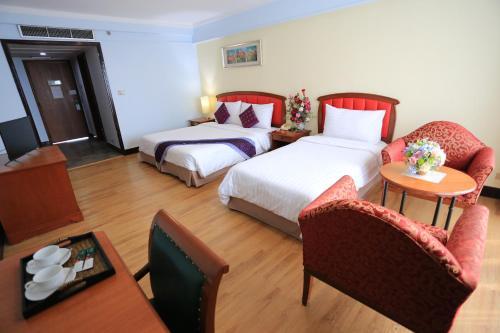 Karnmanee Palace Hotel photo 24