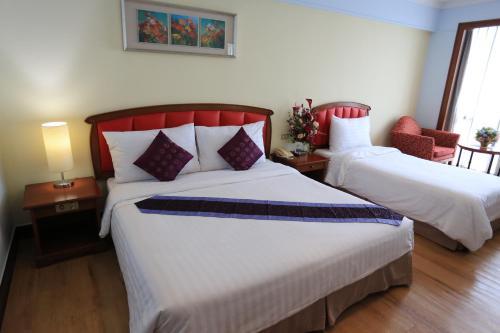 Karnmanee Palace Hotel photo 25