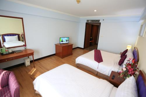 Karnmanee Palace Hotel photo 27