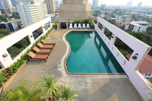 Karnmanee Palace Hotel photo 30