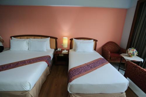 Karnmanee Palace Hotel photo 38