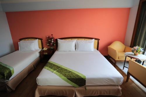 Karnmanee Palace Hotel photo 42