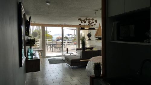 . Cozy Apartment, Ocean Front