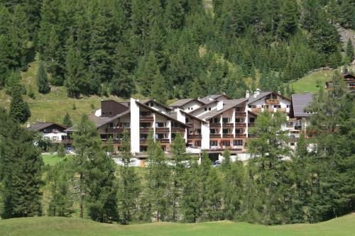 Hotel Alpina - Apartment - Solda