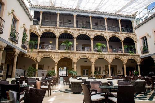 __{offers.Best_flights}__ Palacio de los Velada