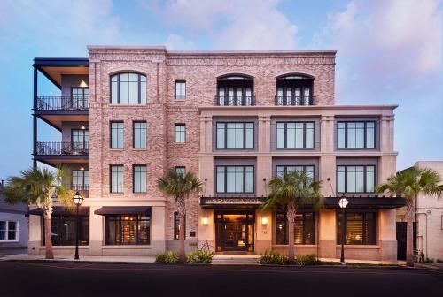 67 State Street, Charleston, South Carolina 29401, United States.