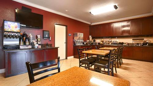 Best Western Anderson Inn - Anderson, CA 96007