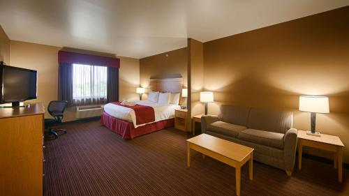 Best Western Golden Prairie Inn And Suites - Sidney, MT 59270