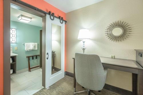 Queen Suite 2 Queen Beds