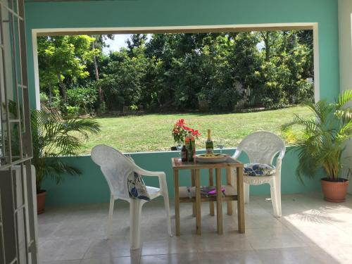 . Garden Apartment - 1 Mile to the Beach, Welcome B-Fast with 5 Nts Stay