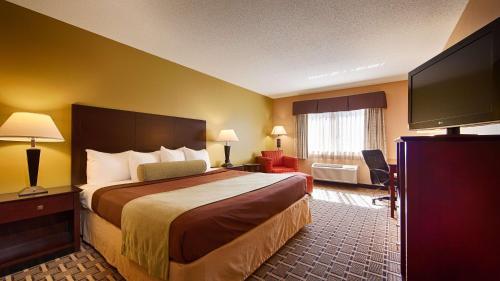 Best Western Plus Executive Inn - Saint Marys, PA 15857