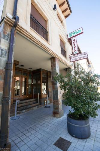 . Hotel El Roble