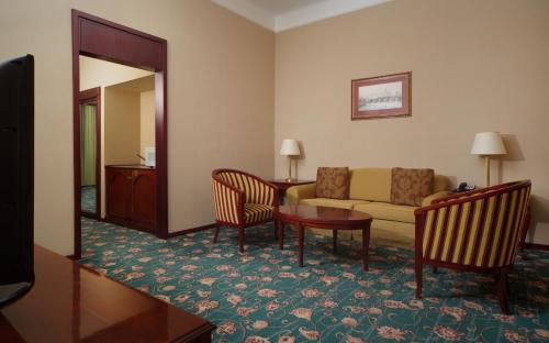 Moscow Marriott Tverskaya Hotel - image 8